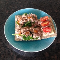 Cottage cheese, tuna & spinach/ tomato on crackers